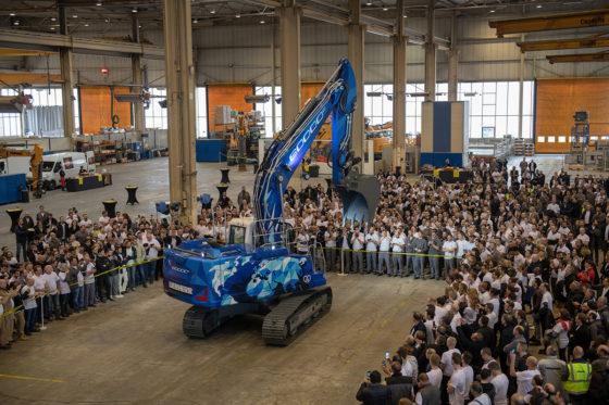 Liebherr Frankrijk bouwt 60.000ste rupsgraafmachine