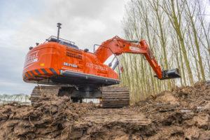 VIDEO | Kobelco SK210HLC-10 Hybrid voor Van Eijk na 30.000 draaiuren op Kato
