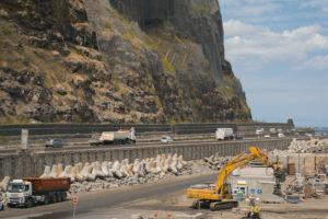 Uitdaging: een kustweg aanleggen aan de Indische Oceaan