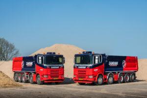 Twee Scania's 10×4*6 XT voor Zandink Zandhandel