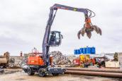 VIDEO   Atlas 250MH recyclingmachine met 5-armige poliepgrijper