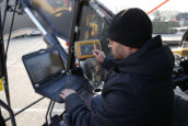 FOTOREPORTAGE | De opbouw van een 3D-gps-systeem, stap voor stap