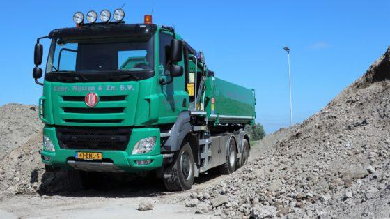 Truckland levert Tatra Phoenix 8×6 en 6×6 met wide-spread