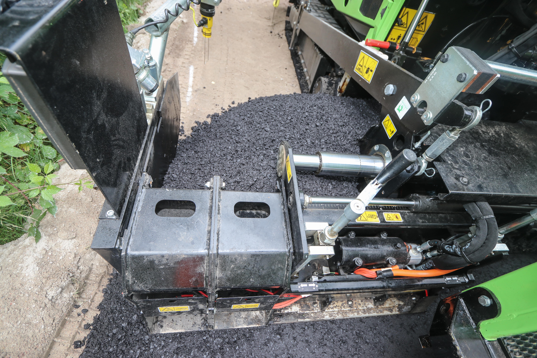 Caterpillar AP255 Van Beek 19BMA07_Cat_asfalt_7-min
