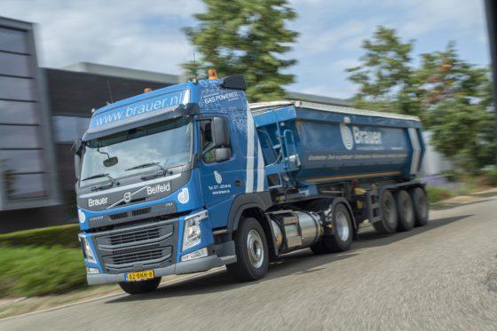 Drie Volvo FM LNG-trekkers voor Brauer Grondverzet en Transport: 'Dit zijn CO2-neutrale trucks'