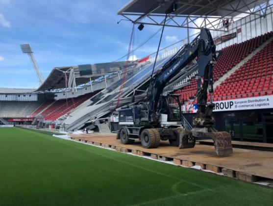 C.A. de Groot begint woensdag met sloop dak AZ-stadion