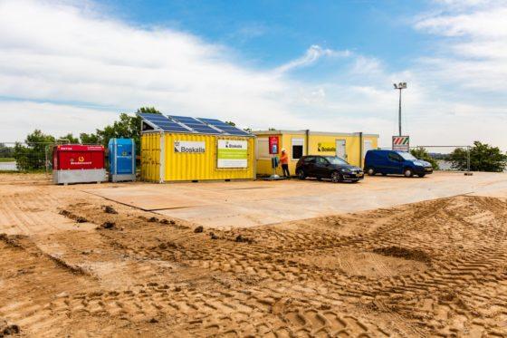 Boskalis bespaart 80% brandstof met Mini-SunBox bij bouwketen