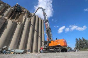 170-tons KMC 1200S met 51 meter sloopgiek in Nederland opgebouwd