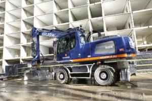 Kruiswijk investeert in 27 ton zware Liebherr A924 in sloopuitvoering
