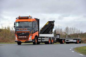 Land Transport Harkema kiest voor 'oldskool' Volvo FH460 combi's