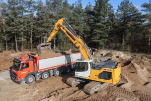 PRAKTIJKTEST | Liebherr R926 Generatie 8, een dikke machine